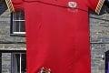 Najväčší dres na dome i vlajky v uliciach: Takto fandí Európa