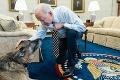 Smutné chvíle v Bielom dome: Prezidentovi Bidenovi zomrel dlhoročný spoločník