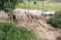 Spúšť po silnom daždi, v Česku odstraňujú následky búrok: Predpoveď ČHMÚ nepoteší