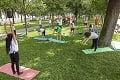 Nevídané možnosti v hlavnom meste prilákali milovníkov pohybu: Parky sú plné jogínov!