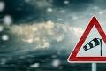 Pozor! SHMÚ varuje štyri kraje: Výstraha 2. stupňa pred búrkami, hrozia škody