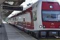 Železničný dopravca upozorňuje západniarov: Vo štvrtok budú mimoriadne odrieknuté niektoré vlaky