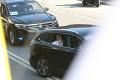 Pápež na ceste do Dómu svätého Martina znovu šokoval: Nečakane vystúpil z auta, ľudia nadšení, ochranka v panike!