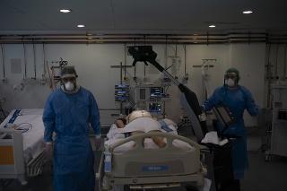 USA zaznamenali pokles nových obetí COVID-19 (Ilustračné foto).
