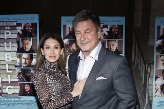 Apríl 2019: Alec Baldwin a manželka Hilaria na premiére drámy The Public.