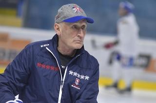 Tréner Craig Ramsay počas tréningu slovenskej hokejovej reprezentácie.