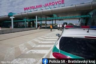 Na slovensko-rakúskom hraničnom priechode Jarovce - Kittsee objavili štyroch migrantov.