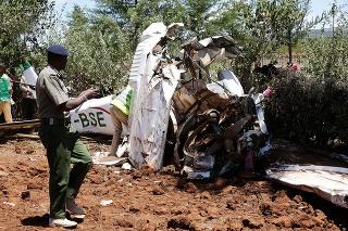 Pri havárii malého lietadla zahynulo päť ľudí.
