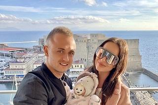 Lobotka a Nízlová žijú so svojou dcérkou v Taliansku.