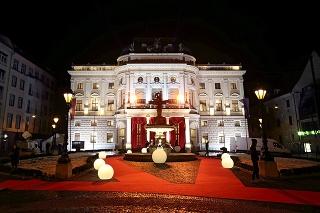 Dejiskom Plesu v opere bude aj tentoraz Historická budova Slovenského národného divadla.