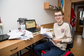Ján Šutý (29) momentálne študuje na prírodovedeckej fakulte, jeho srdcovkou je však stále matfyz.