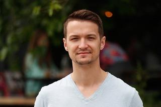 Viktor Vincze (27), moderátor