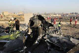 Lietadlo sa zrútilo na predmestie Teheránu.
