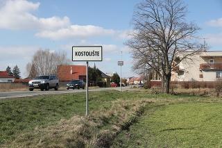 Anton pochádza z obce Kostolište v okrese Malacky.