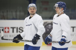 Libor Hudáček (vľavo) proti Kanade nastúpi.