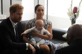 Desmond Tutu sa s princom Harrym, jeho manželkou Meghan a ich synčekom Archiem stretol koncom septembra.