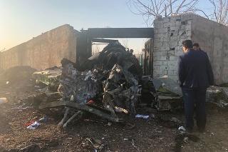 Lietadlo sa zrútilo na predmestí Iránu.