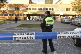 Vo Fakultnej nemocnici Ostrava sa strieľalo.