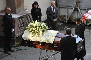 Ivana Gottová pri rakve manžela.