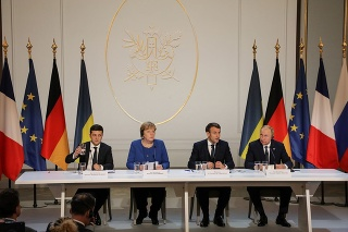 Zľava Volodymyr Zelenskyj, Angela Merkelová, Emmanuel Macron a Vladimir Putin.