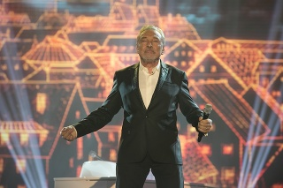 Spevák Karel Gott