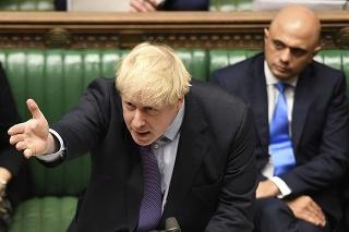 Britský premiér Boris Johnson počas prejavu v Dolnej snemovni parlamentu v Londýne