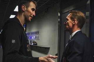 Zdeno Chára sa stretol v útrobách torontskej Scotiabank Areny s jedným z najlepších obrancov hokejovej histórie Nicklasom Lidströmom