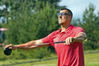 Pri golfe Jurčina rád relaxuje avstredu  sa počas neho aj dohodol spražskou Spartou.