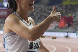 Na snímke slovenská kladivárka Martina Hrašnová reaguje po tom, ako sa kvalifikovala do finále počas kvalifikácie v hode kladivom na MS v atletike v katarskej Dauhe.