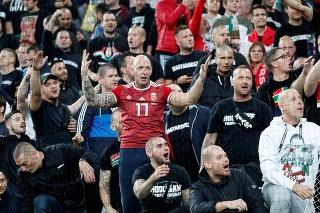 Maďarskí fanúšikovia počas kvalifikačného zápasu na Euro 2020 Slovensko-Maďarsko.