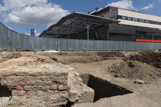 Nalez ležal pod bývalým parkoviskom medzi Štadiónom Antona Malatinského a detským ihriskom v Trnave.