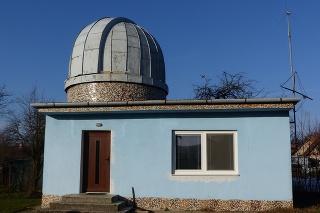 Astronomický krúžok v Sobotišti, ktorý pri hvezdárni funguje, má výborné meno nielen na Slovensku, ale aj v zahraničí.