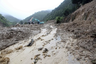 Záplavy si vyžiadali niekoľko obetí.