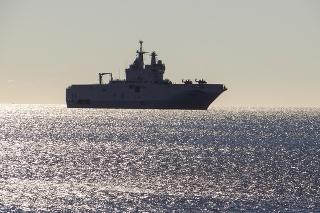 Navire de guerre en méditerranée