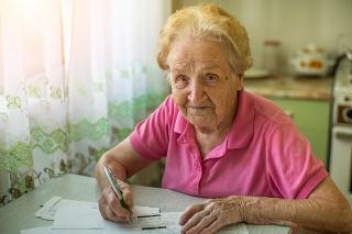 Starodôchodcovia čakajú na nápravu stavu už 13 rokov.