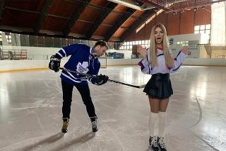 Silvia Kucherenko na ľade s Tomášom Bezdedom