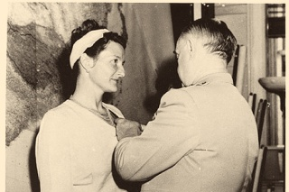 Ako jediná žena civilistka získala vysoké vyznamenanie.
