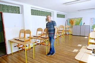 Riaditeľ priemyslovky Ľudovít Šimun (56) vyhlásil mimoriadne voľno.