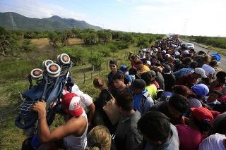 Na cestu za lepším životom sa vybrala ďalšia tzv. karávana migrantov (archívne foto).