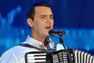 ZAHVIEZDIL V ŠOU: Gernát hral na harmonike a spieval v relácii Zem spieva.