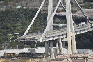 V Janove sa zrútil most.