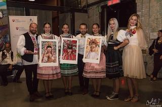 Autori s projektom chodia po celom svete. Na fotografii sa nachádzajú v Kanade.