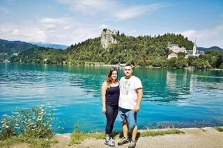 V strede jazera Bled sa nachádza kostol, ku ktorému vás dopraví výletná loď.
