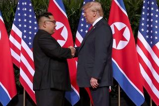 Kim Čong-un a Donald Trump sa stretli.