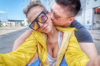 Nela Slováková s priateľom Martinom.
