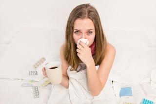 CHRÍPKU NEPODCEŇTE: Chorobu treba vyležať. Jej liečba trvá zväčša 7 až 10 dní.