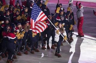 Shani Davis sa na otváracom ceremoniáli nezúčastnil.