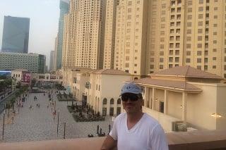 Čitateľ Maroš v Dubaji.