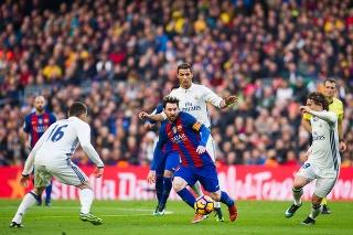 El Clasico: Futbaloví fanúšikovia mali v sobotu sviatok.