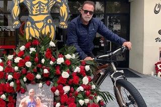 Arnie si ucitl pamiatku zosnulého wrestlera.